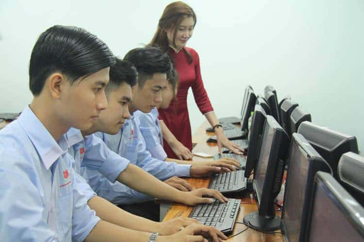 Mức lương ngành công nghệ thông tin ở Việt Nam như thế nào?